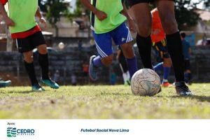 Dezenas de Crianças e adolescentes carentes tendo a oportunidade de aprender e praticar o futebol e participando de ações que possibilitam o alcance do desenvovimento integral do indivíduo.Futebol Social Nova Lima